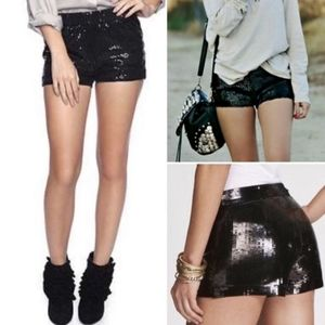 🆕️Express Black Sequin Stretch Booty Shorts Sz 4